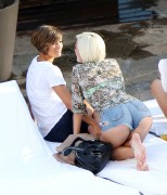 Frankie Sandford @ Hollywood Hotel w/ Sister and Friends 10/07/2012 (47 HQ)