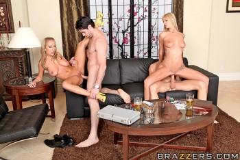 Nikki Benz & Julia Bond - The Pornstar Experiment