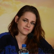Imagenes/Videos Promocion de Amanecer Part 2 (USA) 24a74a218223131