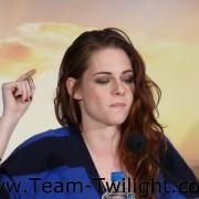 Imagenes/Videos Promocion de Amanecer Part 2 (USA) 45c87c218223222