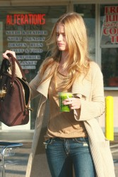 Rosie Huntington Whiteley At Whole Foods In Hollywood November 3, 2012 HQ x 8