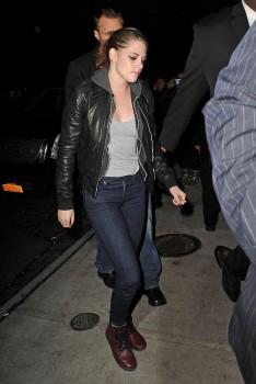 Kristen Stewart - Imagenes/Videos de Paparazzi / Estudio/ Eventos etc. - Página 31 A4a40d225748549