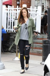 Minka Kelly In Ripped Jeans @ Urth Cafe In Beverly Hills December 13, 2012 HQ x 6