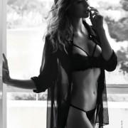 Gatas QB - Lorenza Zorer Maxim Girl Maxim Portugal Dezembro 2012 Janeiro 2013