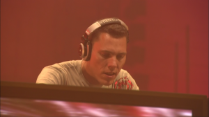 Tiësto In Concert (2003) [Director's Cut] Blu-ray 1080i AVC DD5.1