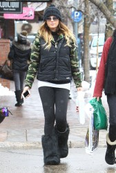 Daisy Fuentes - Christmas shopping in Aspen 12/24/12