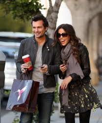 Kate Beckinsale Out After Her Pedi In LA December 27, 2012 HQ x 10