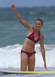 4ae5a8228811129 Daniela Hantuchova ~ Bikini at the beach / Brisbane, Dec 27 '12 candids