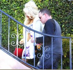 639c20230122328 Courtney Stodden ~ Outside her home / Hollywood Hills, Jan 2 '13 candids