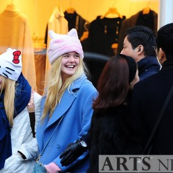 Dakota Fanning / Michael Sheen - Imagenes/Videos de Paparazzi / Estudio/ Eventos etc. - Página 6 6eb062230665980