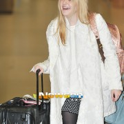 Dakota Fanning / Michael Sheen - Imagenes/Videos de Paparazzi / Estudio/ Eventos etc. - Página 6 79e134230664400