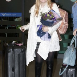 Dakota Fanning / Michael Sheen - Imagenes/Videos de Paparazzi / Estudio/ Eventos etc. - Página 6 7bbb13230665270