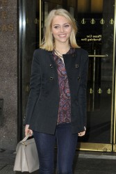 AnnaSophia Robb - leaves Sirius Radio in NYC 1/14/13