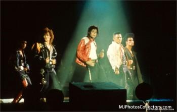 BAD WORLD TOUR  6616df232520962