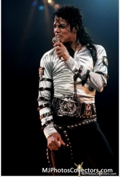 BAD TOUR PT 2  Bd0254232528743