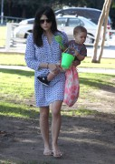 916ea6235657407 Selma Blair takes her son Arthur to a park in Los Angeles (Feb 3)   45 HQ candids