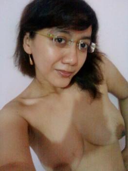 Tante Bahol Bugil
