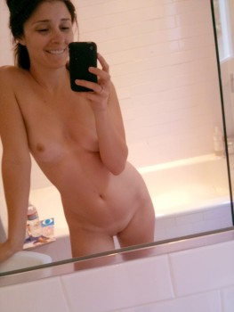 Shiri Appleby Private Self Shot Nude Candids March