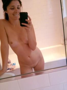 Shiri Appleby Private Self Shot Nude Candids March