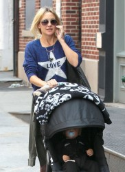 Kate Hudson - Taking a stroll in NYC 4/17/13