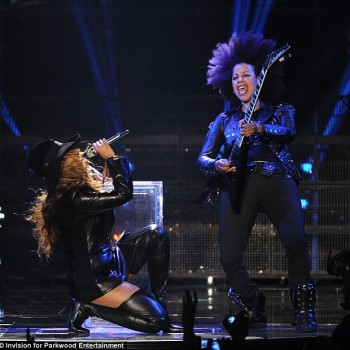 Beyonce  performs Serbian concert