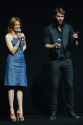 Elizabeth Banks - promotes 'The Hunger Games: Catching Fire' at CinemaCon in Las Vegas 4/18/13