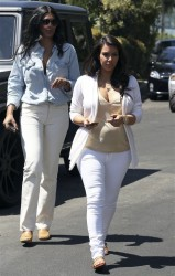 Kim Kardashian - House hunting in Beverly Hills 4/20/13
