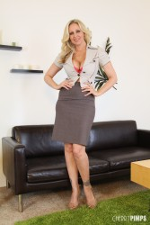 Julia Ann - Photoshoot (4/19/13) x31