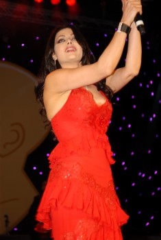 Haifa Wehbe performance @ World Travel awards
