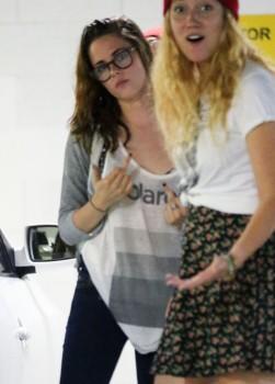Kristen Stewart - Imagenes/Videos de Paparazzi / Estudio/ Eventos etc. - Página 31 2df11f256030050