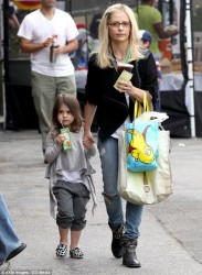 Sarah Michelle Gellar - at the Farmers Market in LA 5/25/13