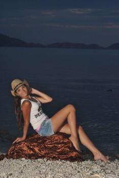 http://thumbnails106.imagebam.com/25755/7f4594257549384.jpg