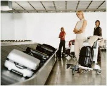 Menunggu barang di conveyor belt - Ist