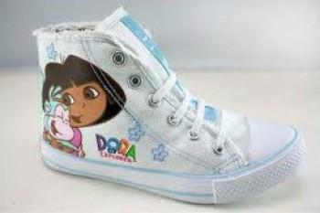 Sepatu sekolah - Ist