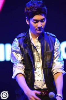 [PICS] NU'EST LOVE TOUR - Singapura [Show + Hi5] 4c9fa5266098314