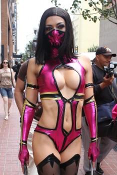 http://thumbnails106.imagebam.com/26648/32900f266476928.jpg