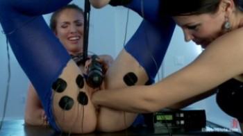 Electro Sluts – Bobbi Starr & Casey Calvert