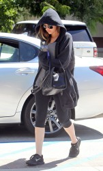 Khloe Kardashian - Going to the gym in LA 8/29/13