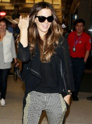 Kate Beckinsale - at LAX Airport 9/23/13