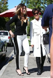 Khloe Kardashian & Kris Jenner - Getting lunch in Sherman Oaks 9/30/13