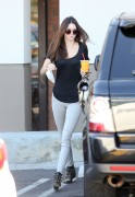 Kendall Jenner - Out in Calabasas 10/2/13