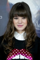 Hailee Steinfeld - 'Ender's Game' photocall in Madrid 10/3/13