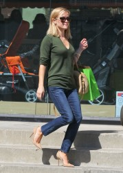 Reese Witherspoon - out in Santa Monica 10/4/13