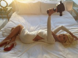 Christina Aguilera - Behind The Scenes of a Mark Liddell Photoshoot