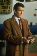 Джеймс Бонд 007: Завтра не умрёт никогда / Tomorrow Never Dies (Пирс Броснан, 1997) 7d57b9282989838