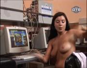 http://thumbnails106.imagebam.com/28413/e5096e284128523.jpg
