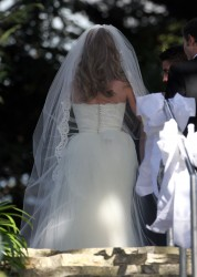 Emily VanCamp - filming wedding scene for 'Revenge' in Los Angeles - 29.10.2013