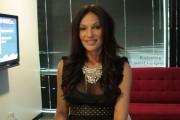 Jolene Blalock - G4 Tv interview stills 28.1.2010 (cleavage/leggy) 7xHQ