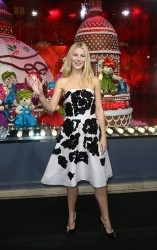 Gwyneth Paltrow - 'Printemps Haussmann' Christmas decorations launch in Paris 11/7/13