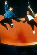 Джеймс Бонд 007: Завтра не умрёт никогда / Tomorrow Never Dies (Пирс Броснан, 1997) Cee88d287546902